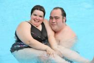Sandra und Andreas verbringen einen schönen Nachmittag im Spaßbad