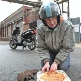 Der Pizzalieferant (Derrick Keens)
